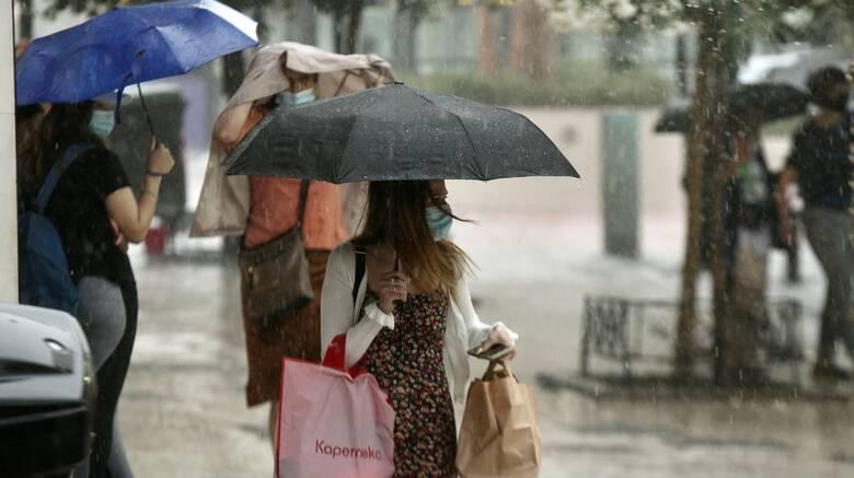 Καιρός: Επιμένει η κακοκαιρία - Σε ποιες περιοχές αναμένονται καταιγίδες σήμερα
