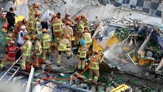 Τραγωδία στη Νότια Κορέα: Εννέα νεκροί από κατάρρευση κτηρίου πάνω σε λεωφορείο