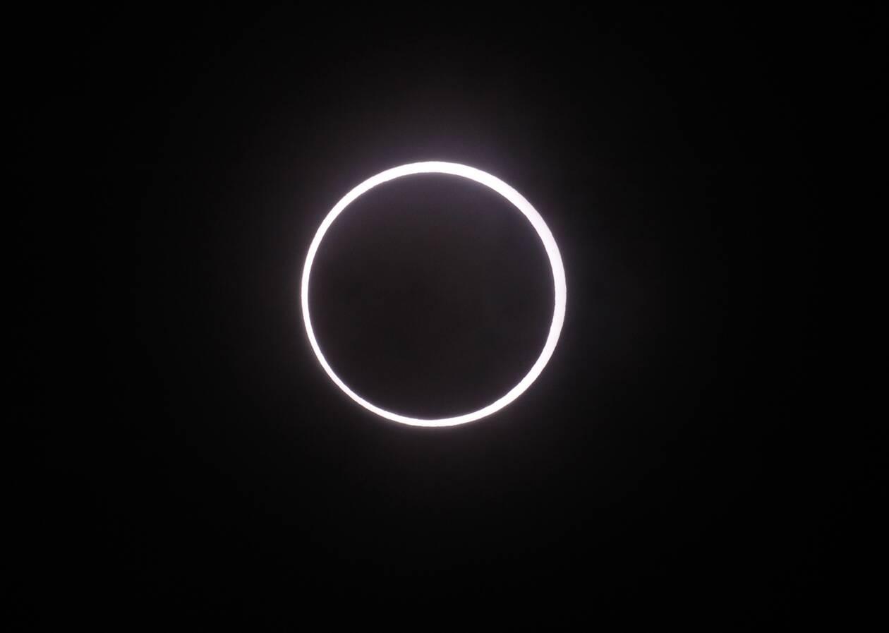 https://cdn.cnngreece.gr/media/news/2021/06/10/269484/photos/snapshot/ekleipsi-hliou-4.jpg