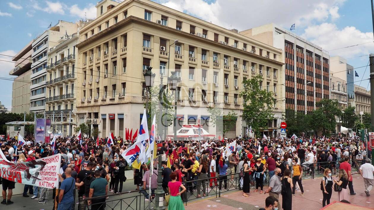 https://cdn.cnngreece.gr/media/news/2021/06/10/269492/photos/snapshot/poreies-athina-ergasiako-2.jpg