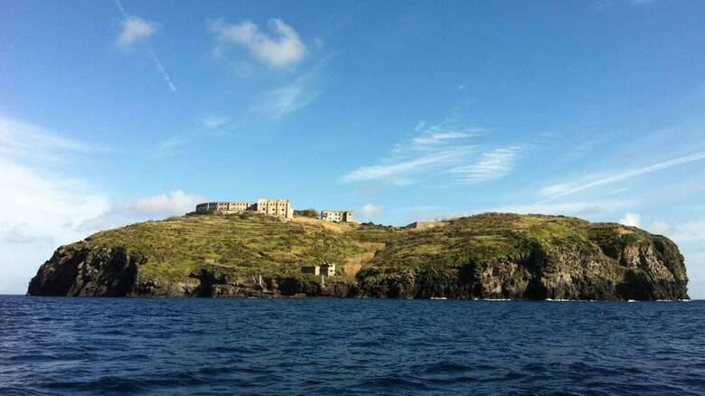 Το «Αλκατράζ» της Ιταλίας αλλάζει: Η θλιβερή ιστορία πίσω από το μικροσκοπικό νησί - φυλακή