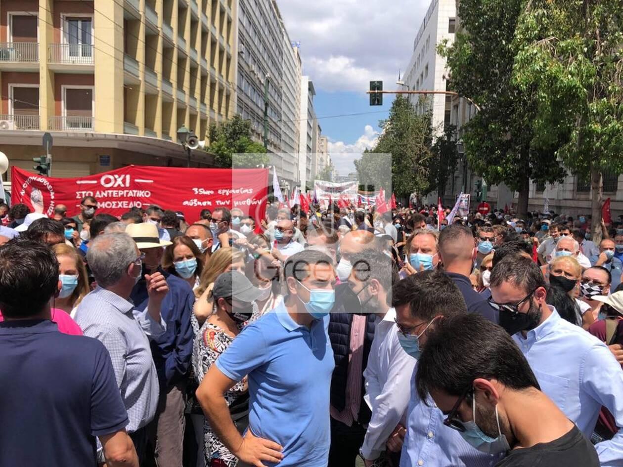 https://cdn.cnngreece.gr/media/news/2021/06/10/269514/photos/snapshot/alexis-tsipras-poreia-4.jpg