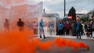 Απεργία: Στη Βουλή οι διαδηλωτές κατά του νομοσχεδίου - Μεγάλη πορεία και κυκλοφοριακό «έμφραγμα»