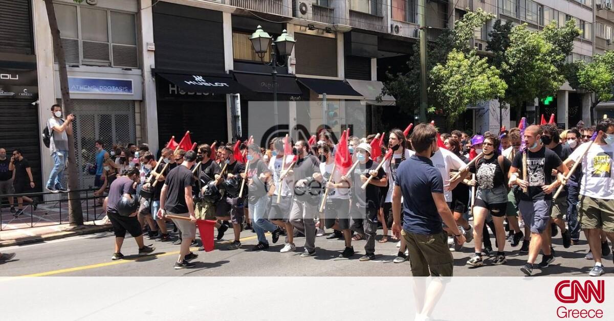 «Κάτω τα χέρια»: Χιλιάδες εργαζόμενοι διαδήλωσαν στο κέντρο της Αθήνας
