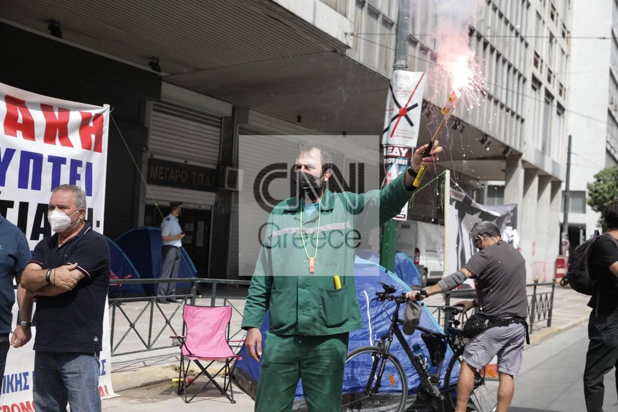 https://cdn.cnngreece.gr/media/news/2021/06/10/269519/photos/snapshot/apergia-kinitopoiseis-2.jpg