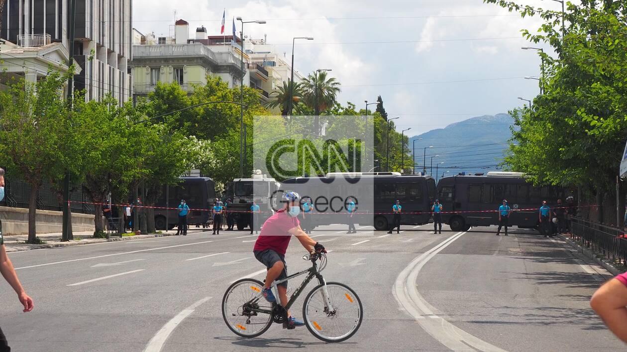 https://cdn.cnngreece.gr/media/news/2021/06/10/269519/photos/snapshot/ergasiako-kinitopoiseis-3.jpg