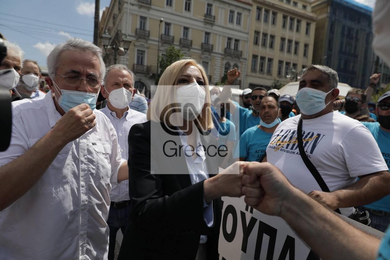 https://cdn.cnngreece.gr/media/news/2021/06/10/269519/photos/snapshot/fofi-1.jpg