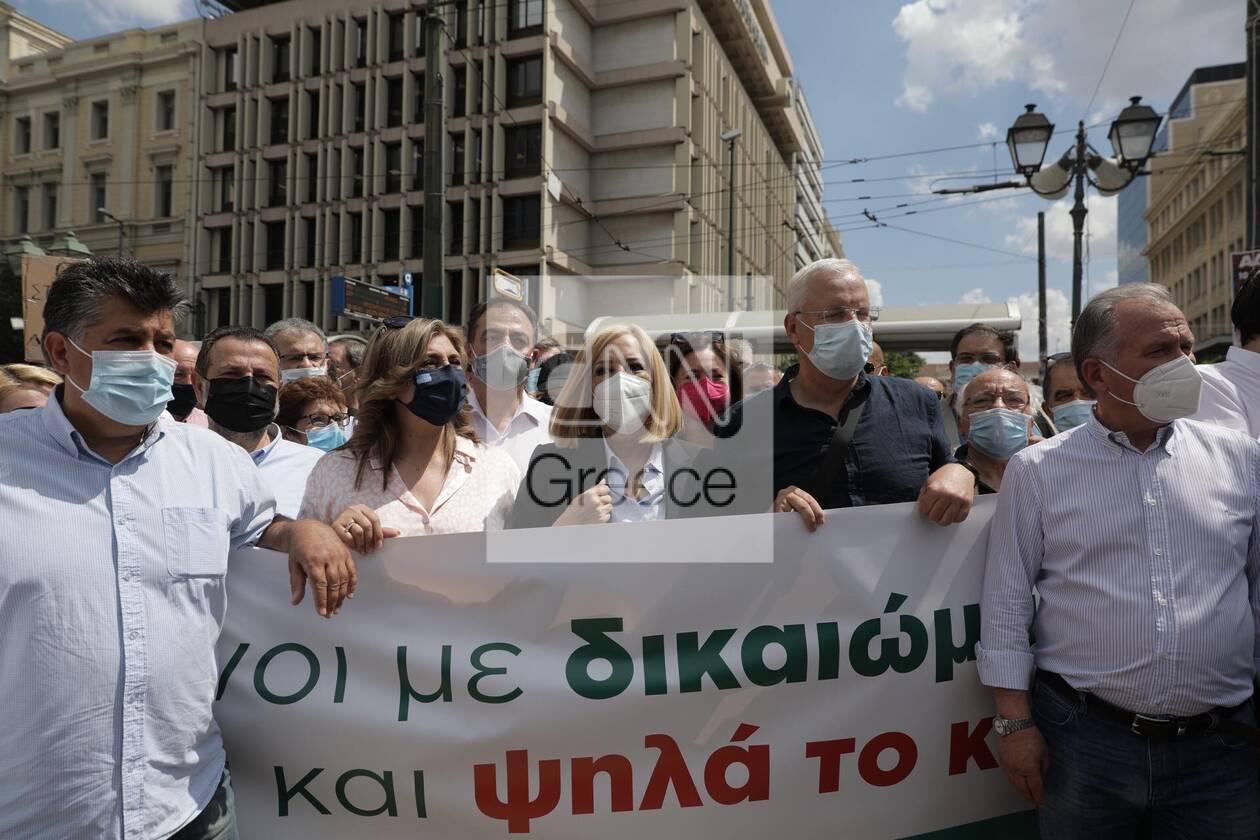 https://cdn.cnngreece.gr/media/news/2021/06/10/269519/photos/snapshot/fofi-3.jpg