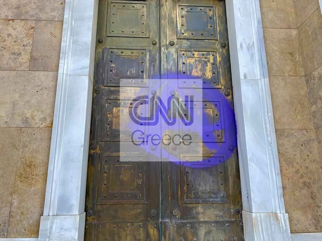 https://cdn.cnngreece.gr/media/news/2021/06/10/269519/photos/snapshot/poreia-bogies.jpg