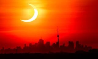 «Δαχτυλίδι της φωτιάς»: Μοναδικές εικόνες από την έκλειψη ηλίου