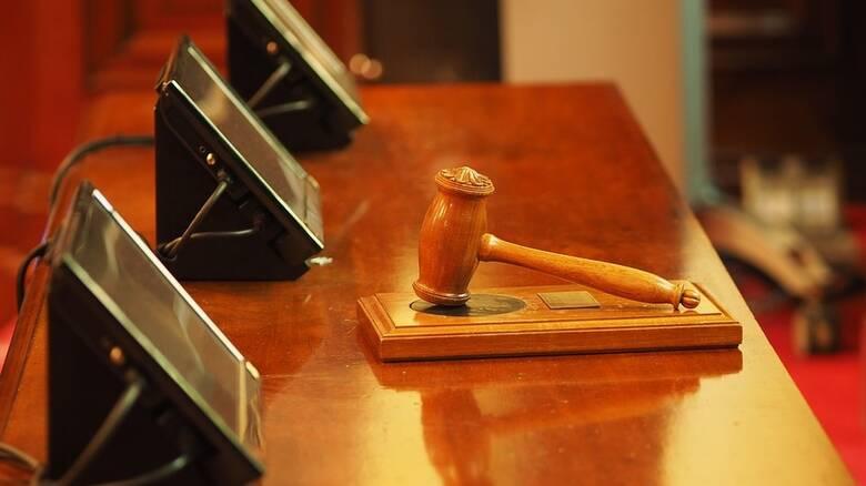 Αποχή δικηγόρων από πλειστηριασμούς ευάλωτων οφειλετών - Τι λένε για το εργασιακό νομοσχέδιο