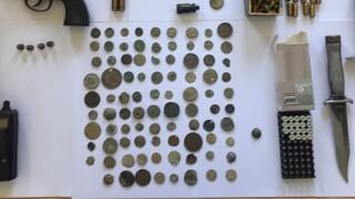 Σέρρες: Δεκάδες αρχαία νομίσματα έκρυβαν δύο αδέλφια στο σπίτι τους