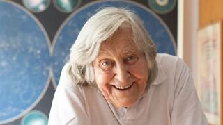 Μαργκερίτα Χακ: Ποια είναι η σπουδαία αστροφυσικός που τιμά σήμερα με doodle η Google