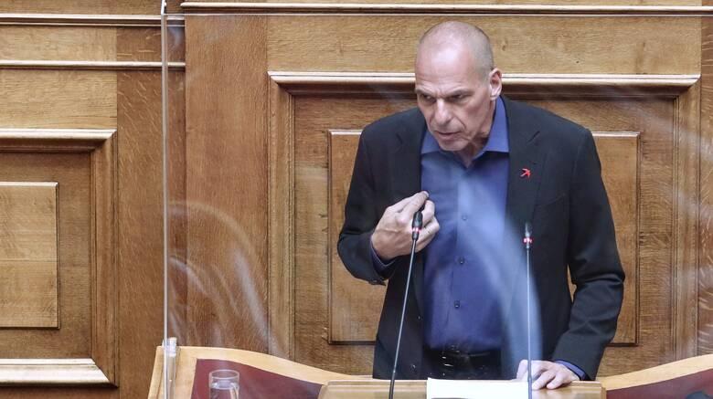 Βαρουφάκης υπέρ Τσίπρα και εναντίον Τασούλα: Εξευτελίζει τον Κανονισμό της Βουλής