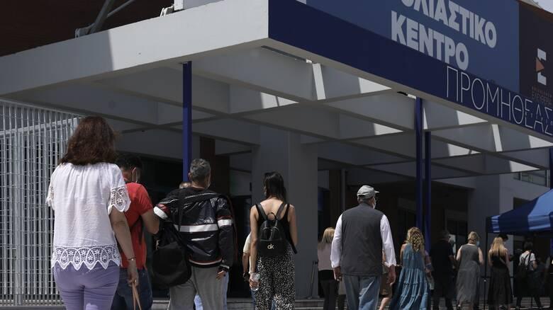 Υπέρ του υποχρεωτικού εμβολιασμού περισσότεροι από 7 στους 10 Έλληνες