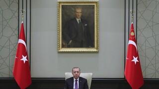 Ερντογάν - Μπάιντεν «ώρα μήδεν»: «Άνοιγμα» από τον Τούρκο πρόεδρο μαζί με λεονταρισμούς
