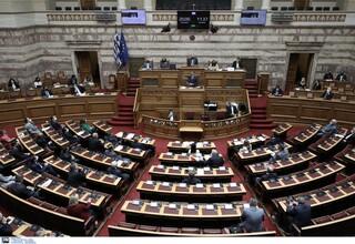 Εργασιακό νομοσχέδιο: Ένταση στη Βουλή και ενστάσεις αντισυνταγματικότητας από ΣΥΡΙΖΑ - ΚΚΕ