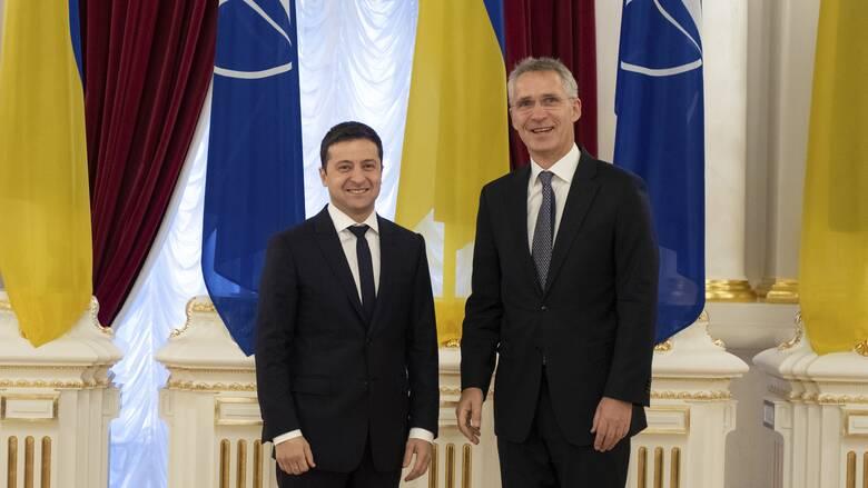 Ικανοποίηση Ζελένσκι για τη δέσμευση του ΝΑΤΟ έναντι της Ουκρανίας