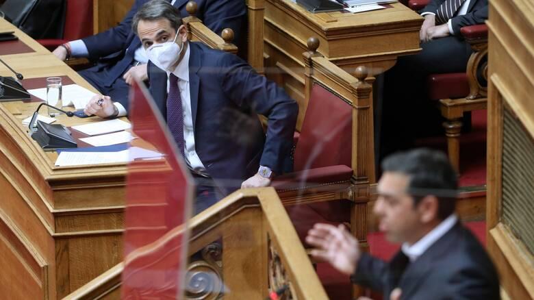 Βουλή: Σύγκρουση κορυφής για το εργασιακό – Τα μηνύματα Μητσοτάκη