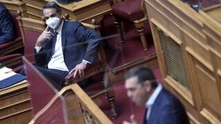 Εργασιακό νομοσχέδιο: Ατάκες-«δηλητήριο» αντάλλαξαν οι πολιτικοί αρχηγοί στη Βουλή