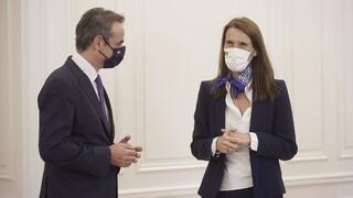 Συνάντηση Μητσοτάκη με την αναπληρώτρια πρωθυπουργό του Βελγίου Σοφί Βιλμές