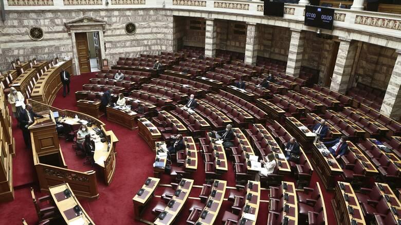 Live - Βουλή: Η ονομαστική ψηφοφορία για το εργασιακό νομοσχέδιο