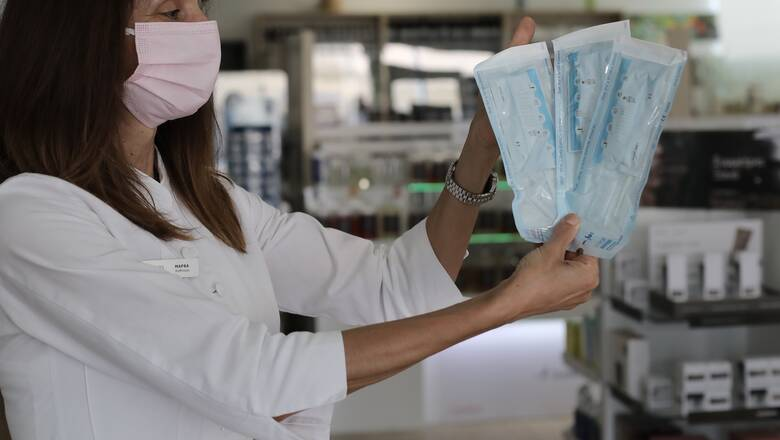 Self test: Όλα ανοιχτά για την διάθεσή τους από τα φαρμακεία - Η πρόταση της κυβέρνησης