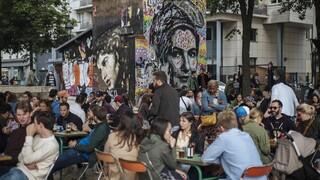 Κορωνοϊός – Γαλλία: Τέλος στις μάσκες και την απαγόρευση κυκλοφορίας