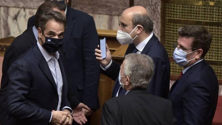 Βουλή: Πέρασε το εργασιακό νομοσχέδιο με 158 «ναι»