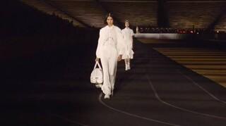 Εντυπωσιακή η επίδειξη της συλλογής «Made in Greece» του Dior από το Καλλιμάρμαρο