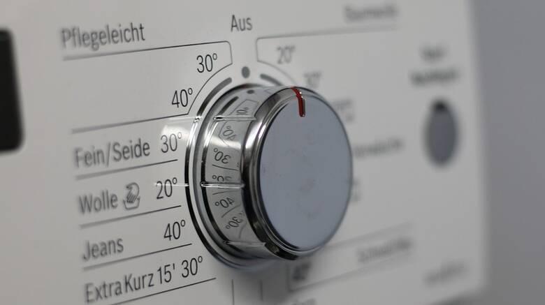 Αυτοί είναι οι έξι λόγοι για να προτιμήσουμε το πλύσιμο των ρούχων στους 30°C