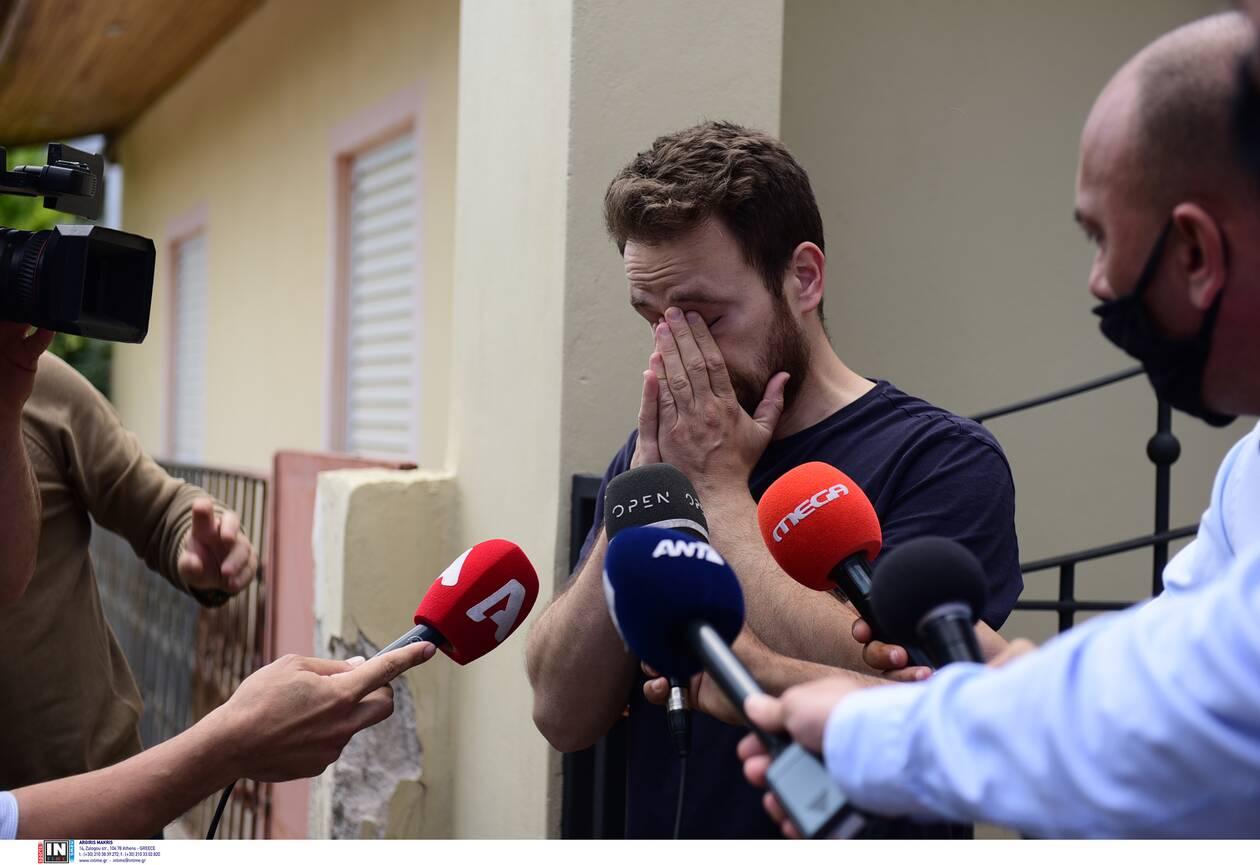 https://cdn.cnngreece.gr/media/news/2021/06/18/270608/photos/snapshot/DOLOFONIA-KAROLAIN.jpg