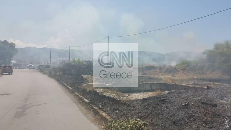 Φωτιά σε βυτιοφόρο στον Ασπρόπυργο: Οι πρώτες εικόνες από την περιοχή, έκτακτη ειδοποίηση από το 112