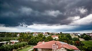 Καιρός: Με βροχές και καταιγίδες το Σάββατο - Πού αναμένεται χαλάζι