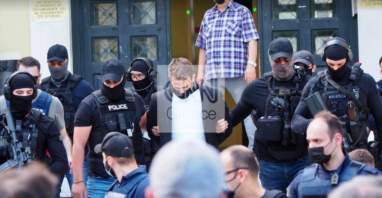 https://cdn.cnngreece.gr/media/news/2021/06/18/270665/photos/snapshot/pilotos6.jpg