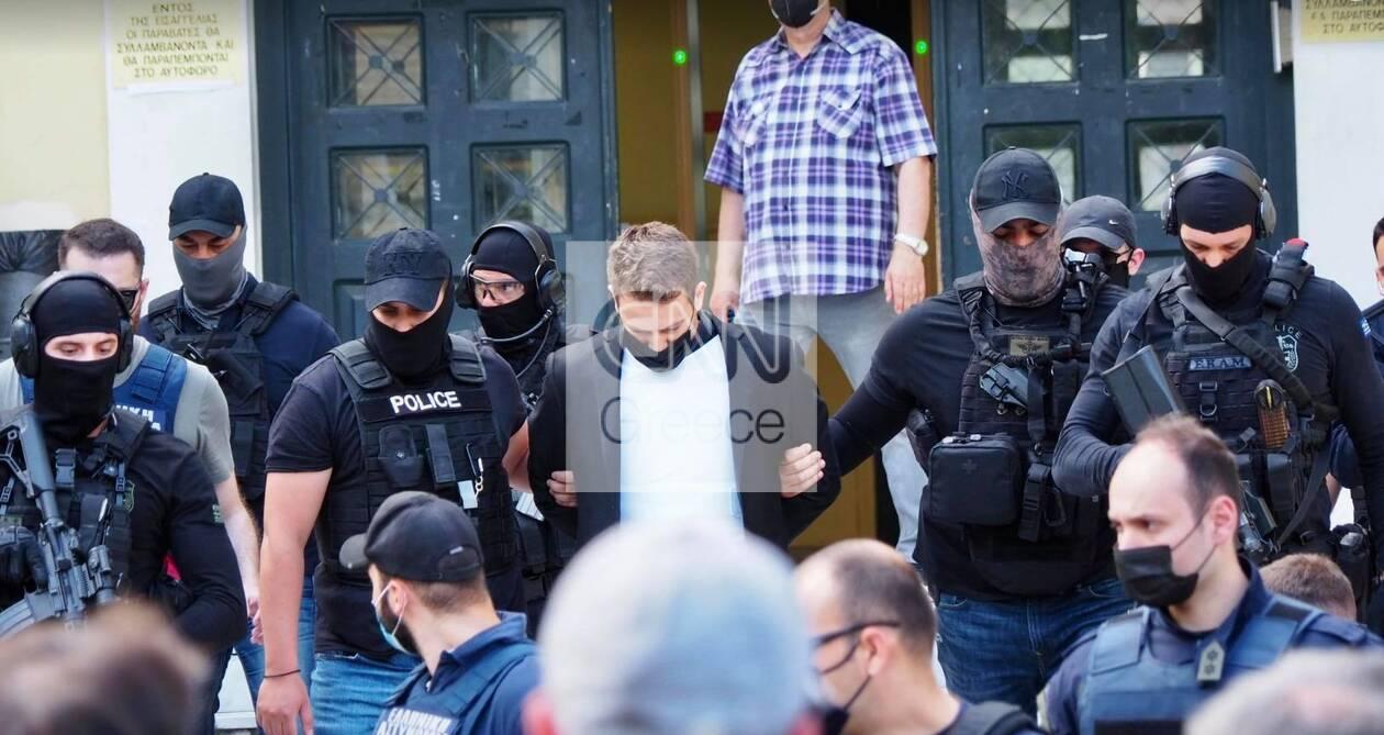 https://cdn.cnngreece.gr/media/news/2021/06/18/270688/photos/snapshot/pilotos5.jpg