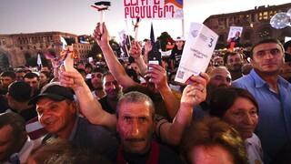 Αρμενία: Στις κάλπες την Κυριακή - Μεγάλες διαδηλώσεις υπέρ του ηγέτη της αντιπολίτευσης