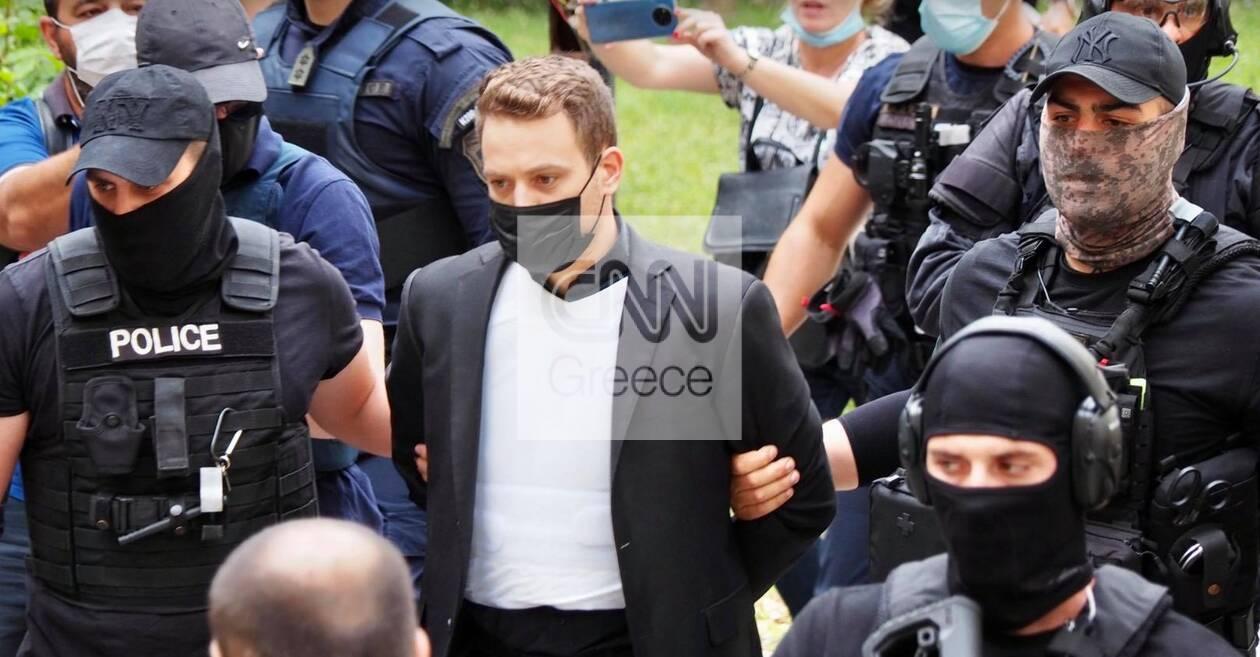 https://cdn.cnngreece.gr/media/news/2021/06/18/270708/photos/snapshot/ppilotos2.jpg