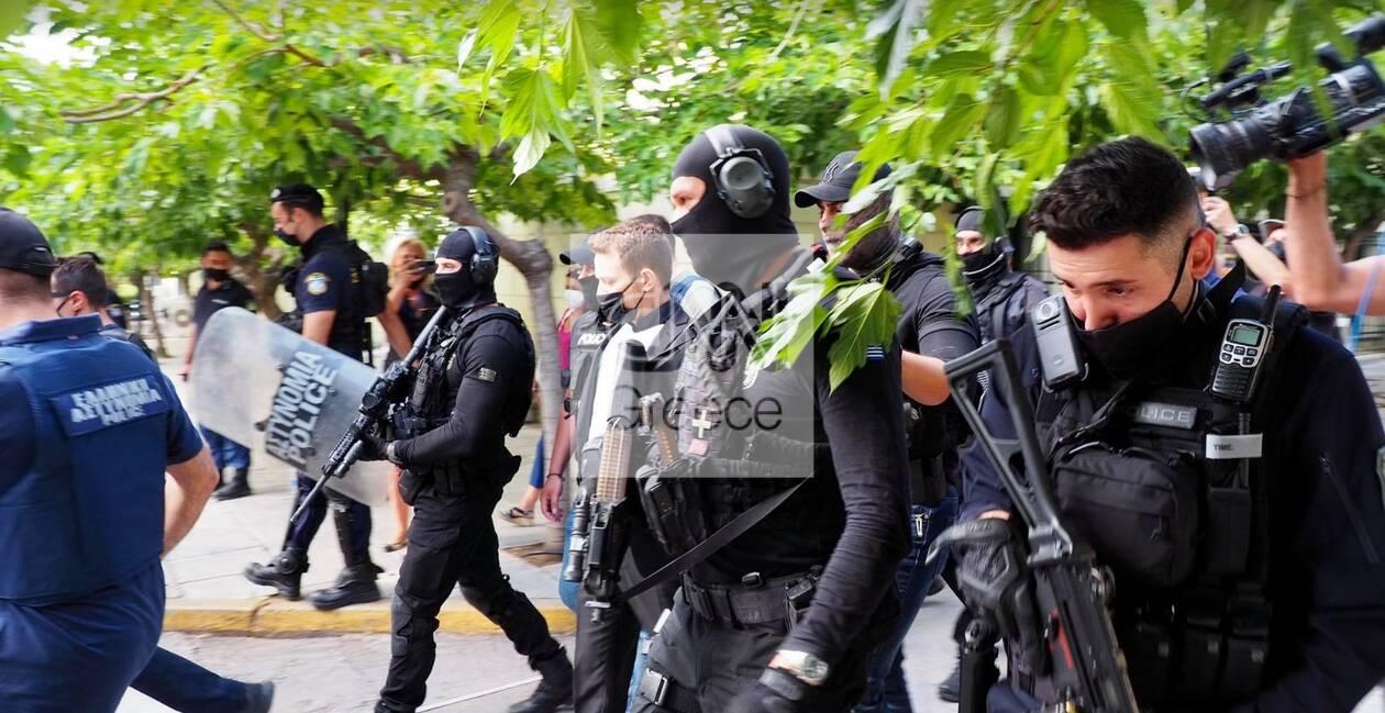 https://cdn.cnngreece.gr/media/news/2021/06/19/270741/photos/snapshot/pilotos8.jpg