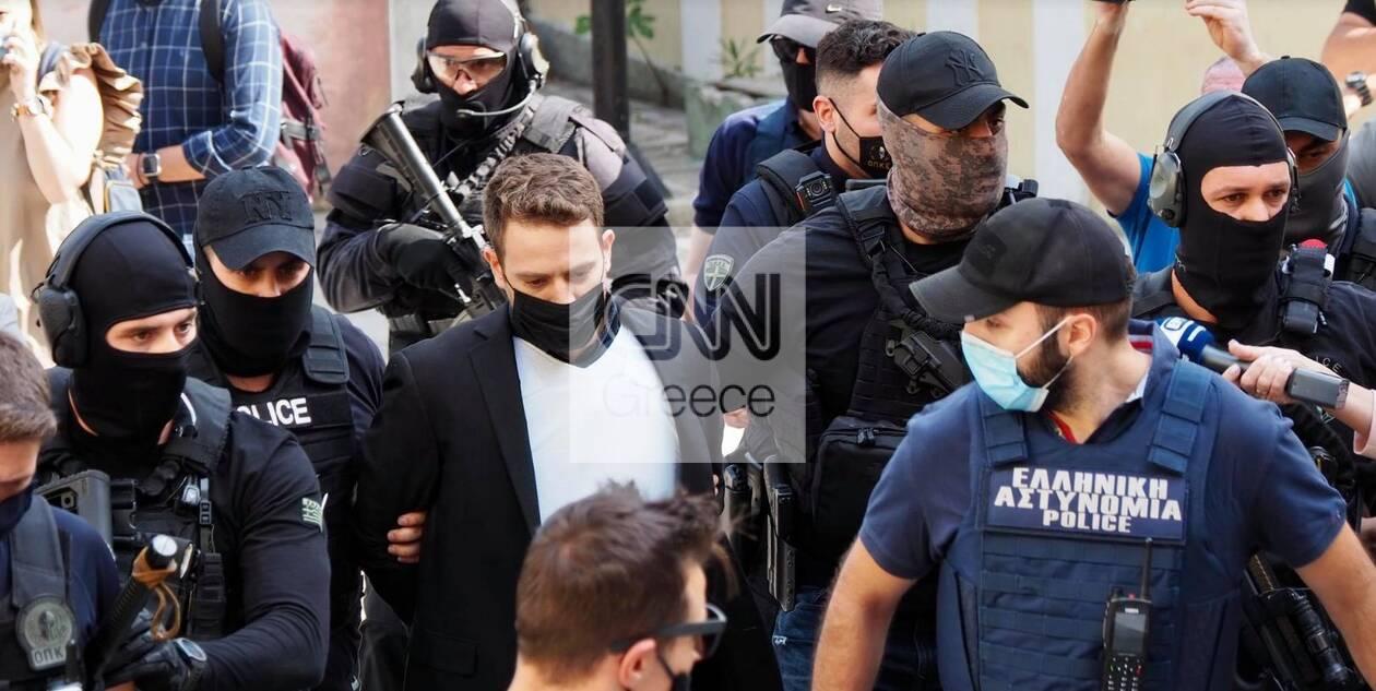 https://cdn.cnngreece.gr/media/news/2021/06/19/270743/photos/snapshot/pilotos2.jpg
