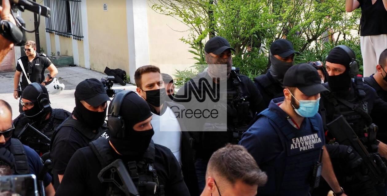 https://cdn.cnngreece.gr/media/news/2021/06/19/270743/photos/snapshot/pilotos3.jpg