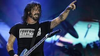 Διαμαρτυρία αντιεμβολιαστών στην πρώτη συναυλία των Foo Fighters μόνο για εμβολιασμένους