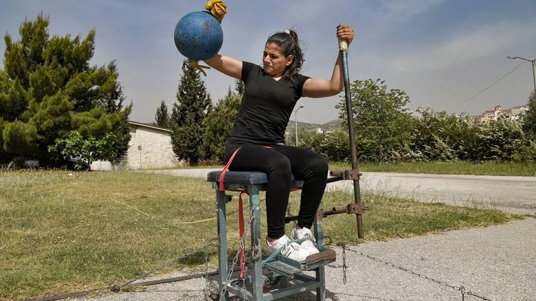 Αλία Ίσσα: Η αθλήτρια που θέλει να γίνει η πρώτη γυναίκα στην Παραολυμπιακή Ομάδα Προσφύγων