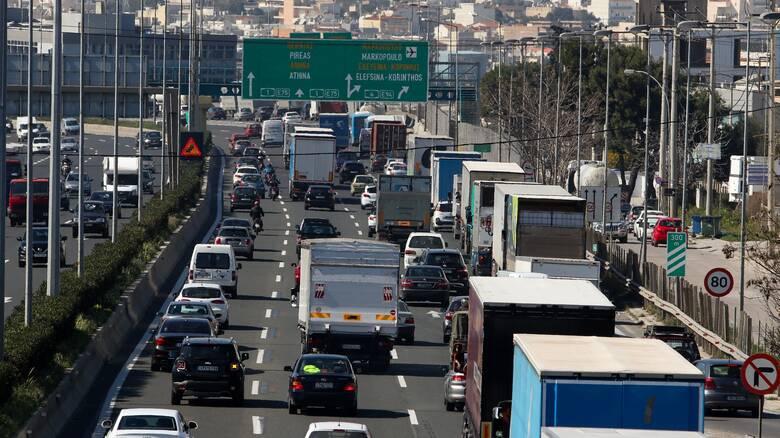 Αγίου Πνεύματος 2021: Πού απαγορεύεται η κίνηση φορτηγών