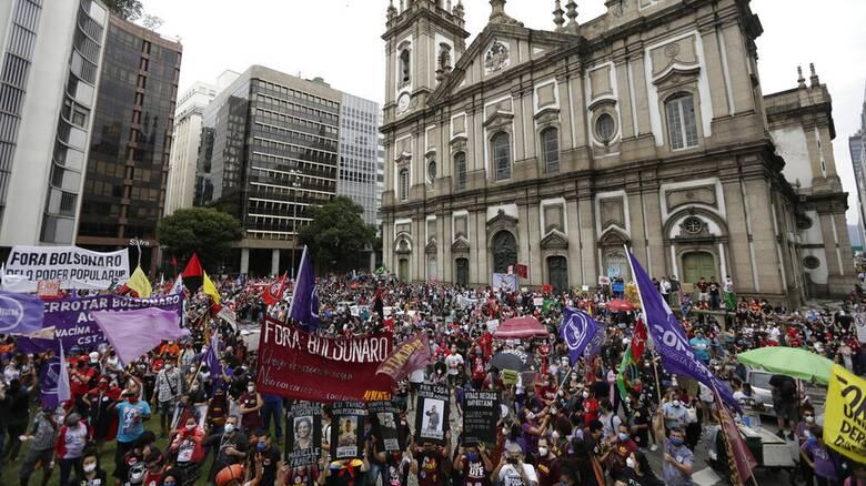 Κορωνοϊός - Βραζιλία: Μπροστά σε τρίτο κύμα - Ξεπέρασαν τους 500.000 οι νεκροί