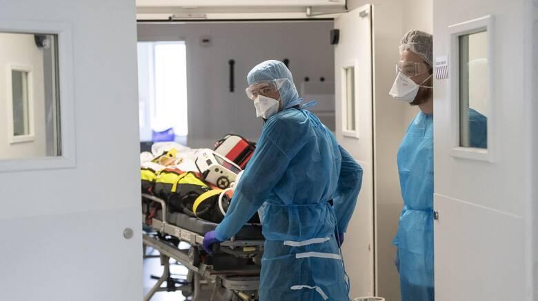 Κορωνοϊός: 209 νέα κρούσματα και 17 θάνατοι, στους 283 οι διασωληνωμένοι