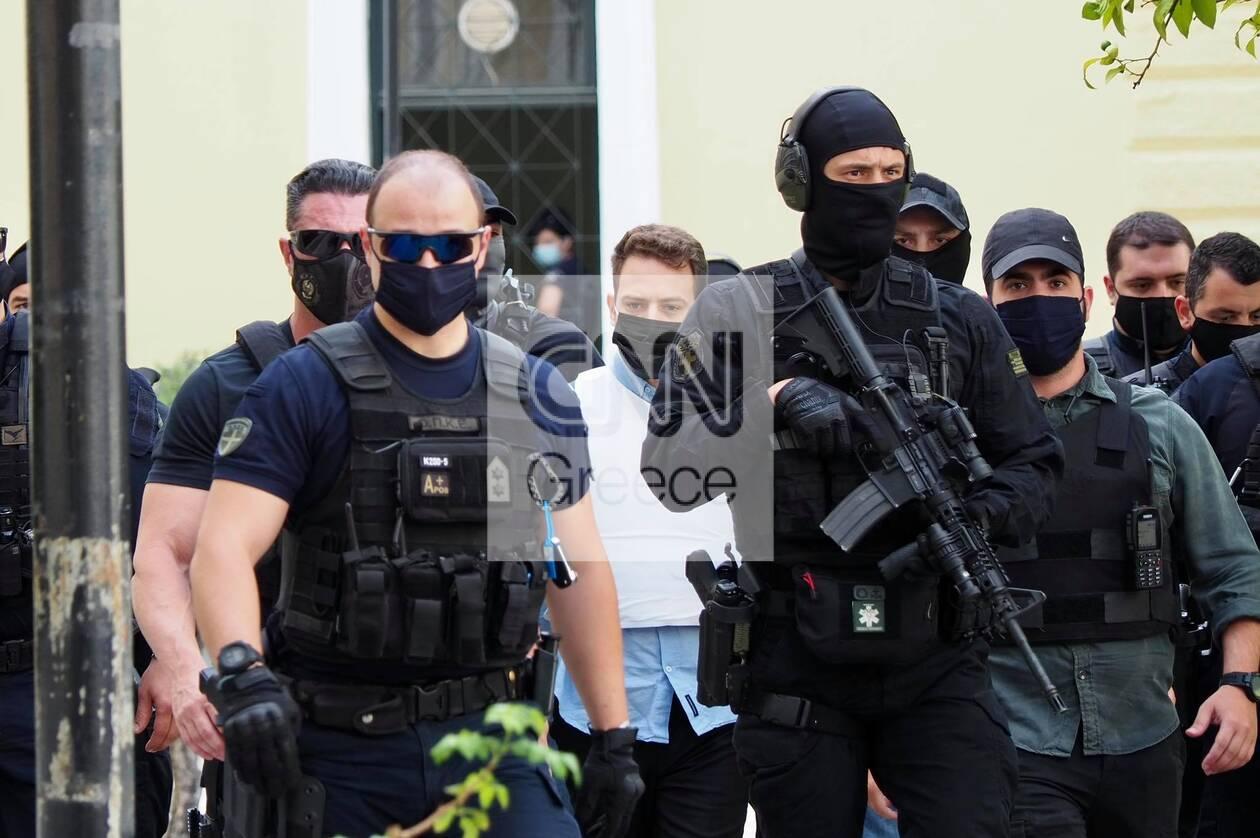 https://cdn.cnngreece.gr/media/news/2021/06/22/271067/photos/snapshot/glyka-nera---syzigoktonos-1.jpg