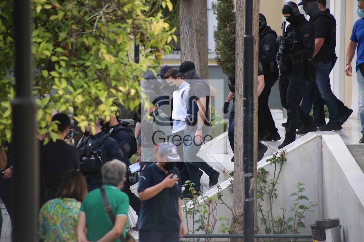 https://cdn.cnngreece.gr/media/news/2021/06/22/271184/photos/snapshot/gluka-nera-3.jpg