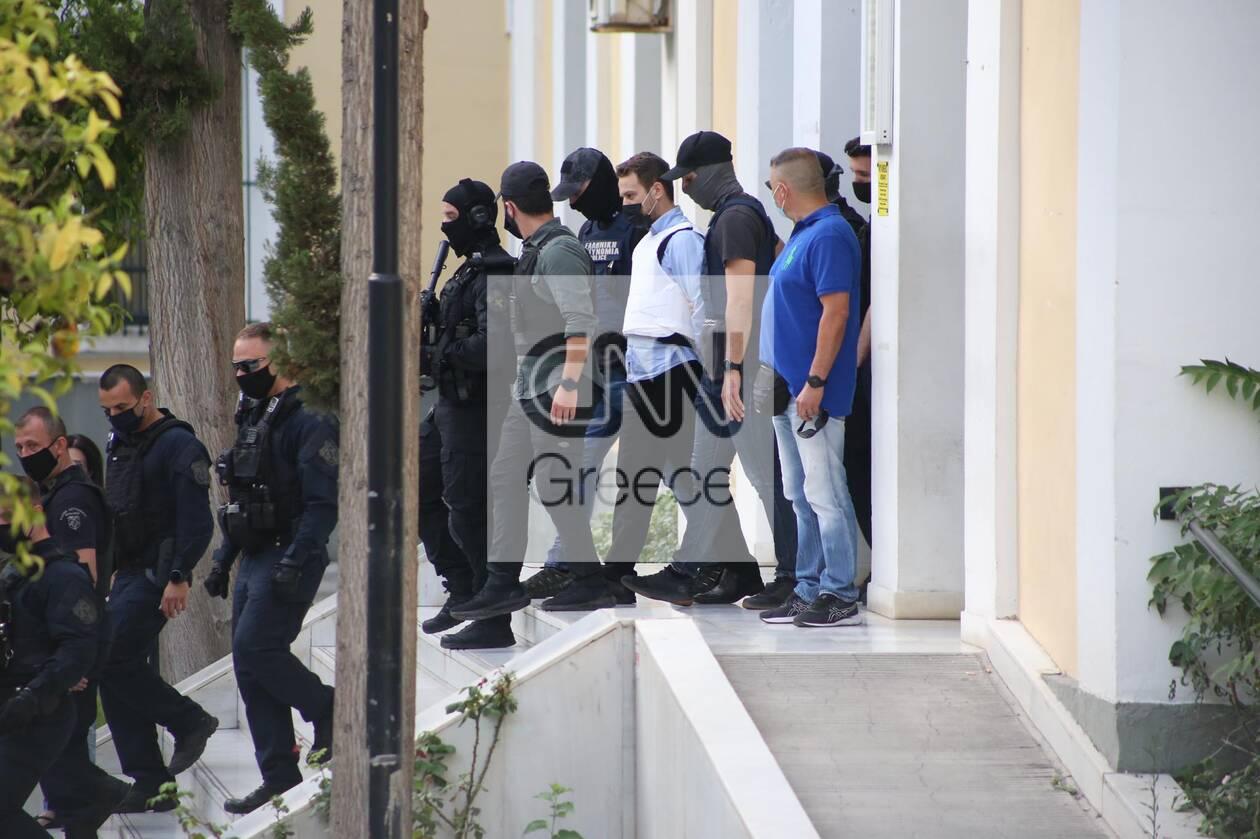 https://cdn.cnngreece.gr/media/news/2021/06/22/271184/photos/snapshot/gluka-nera2.jpg