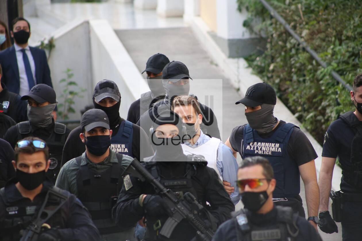 https://cdn.cnngreece.gr/media/news/2021/06/22/271184/photos/snapshot/gluka-nera4.jpg